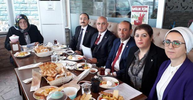 """MHP'de """"Her sandığa bir kadın uygulaması"""" 60 Evlerde başladı"""