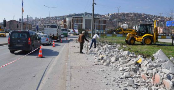 Otogar Kavşağı Kandıra yönüne dönüş genişletiliyor