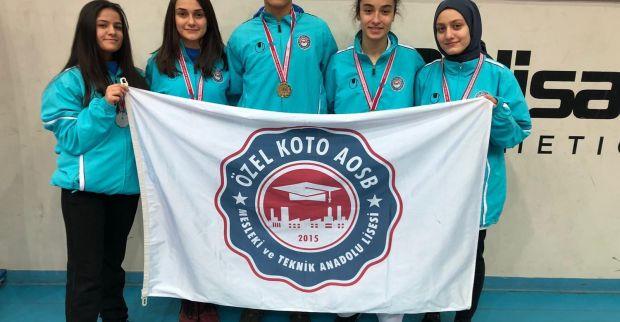 Özel KOTO Lisesi öğrencilerinden Karate'de yeni başarılar