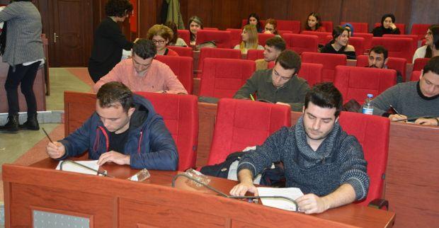 Sosyal hizmet uzmanı sınavında 15 kişi mülakata girmeye hak kazandı