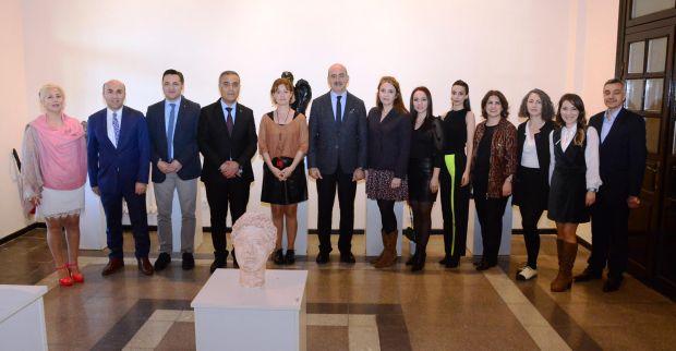 Tarihi Gar'da, 'Roma'dan  Günümüze' Heykel Sergisi