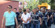 10 iş adamı tutuklandı