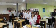 Beyaz Kalpler öğrencilerine protein desteği