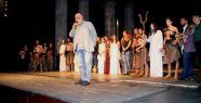 Dünya Tiyatrolar Günü 'Antigone'...