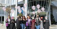 İzmit Belediyesi pembe balonlarla meme...
