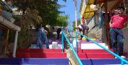 Merdivenler boyanıyor İzmit rengarenk...