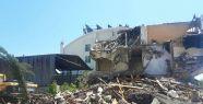 Metruk binalar tek tek yıkılıyor