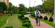 """'Sağlıklı yaşam için bisiklete binin""""..."""