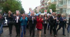 CHP'liler yağmura aldırmadan yürüdü