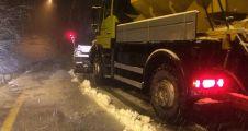 Kocaeli'ye ilk kar yağdı,  müdahale anında geldi