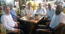 Başkanlar sahilde çay içip sohbet etti
