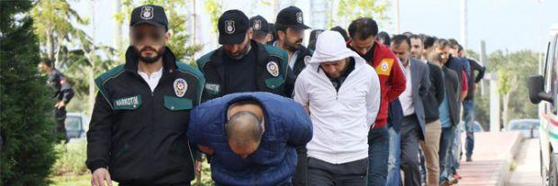 Uyuşturucu operasyonunda gözaltına alınan 21 kişi adliyeye sevk edildi