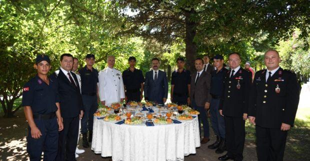 Vali Aksoy Jandarma Teşkilatının Bayramını Kutladı.