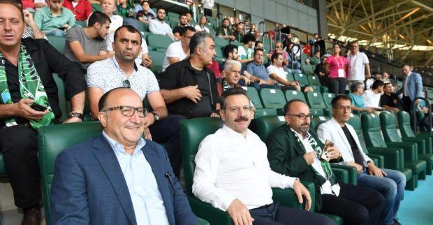 Vali Aksoy, Kocaelispor – Fethiyespor Karşılaşmasını İzledi