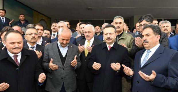 Vali Aksoy tüm milli eğitim camiasına baş sağlığı dileğinde bulundu