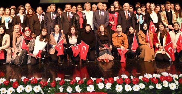 VALİ AKSOY'UN 19 MAYIS MESAJI