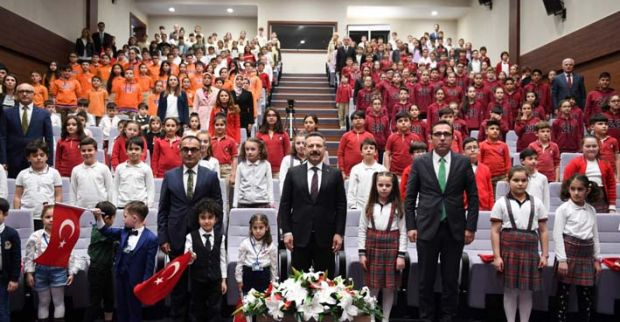 Vali Hüseyin Aksoy, Çocuklarla Buluştu