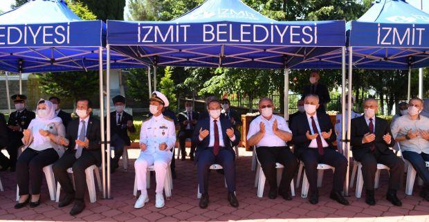 Vali Yavuz, 28 Haziran İzmit'in Kurtuluşu Münasebetiyle Şehitliği Ziyaret Etti