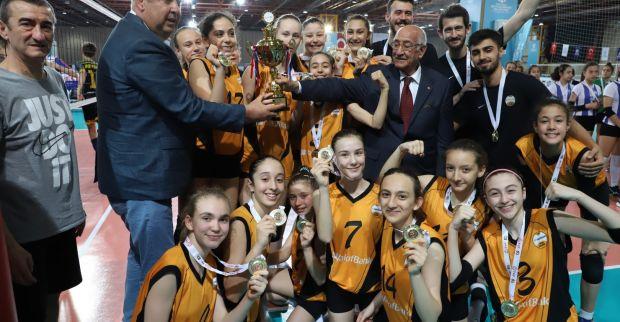 Voleybol Midiler Türkiye Şampiyonası'nın kazananları belli oldu