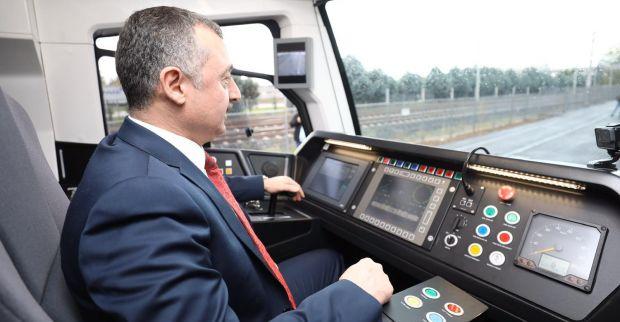 Yeni tramvay hattının deneme sürüşünü  Başkan Büyükakın yaptı