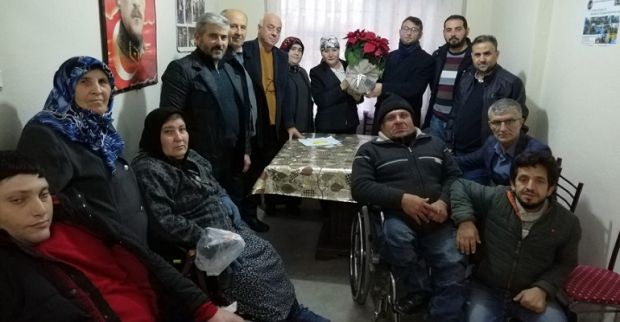 Yeniden Refah Partisi Kocaeli Engelliler Derneğini ziyaret etti