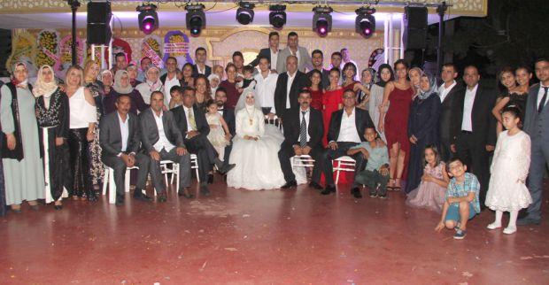 Zirve Kebap'ın sahibi Cihan İşcan oğlunu evlendirdi